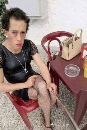 Alessandra succhia cazzi