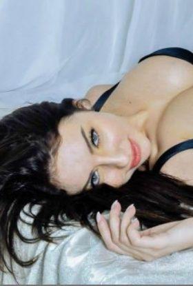 Paid Sex Escort girl in Bur Dubai 1